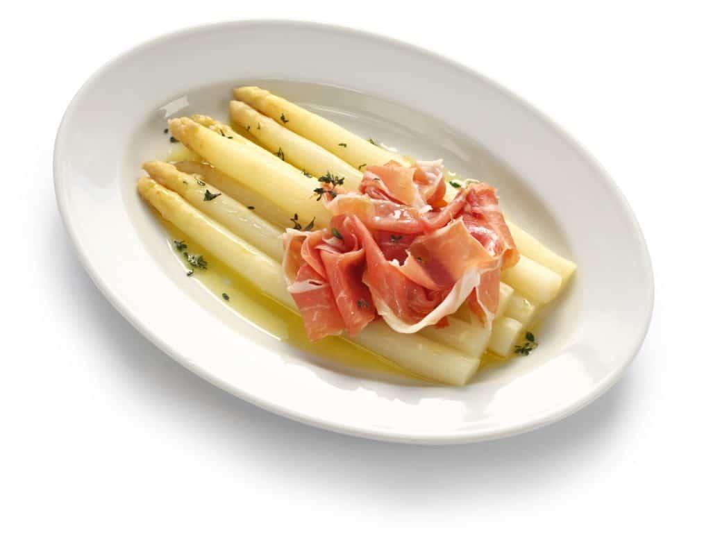 white asparagus with ham, spargel mit schinken